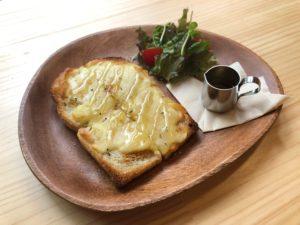 ならいろカフェのハニーチーズトースト